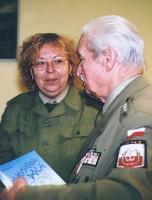 Dyrektor Chóru AK porucznik mgr inż. Wacław Fiszer wraz z Beatą Nowicką, 2004