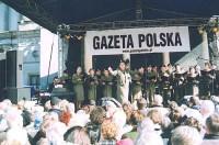 Koncert Chóru na Placu Teatralnym w Warszawie dla 10 tysięcznej rzeszy słuchaczy, 3 maja 2007